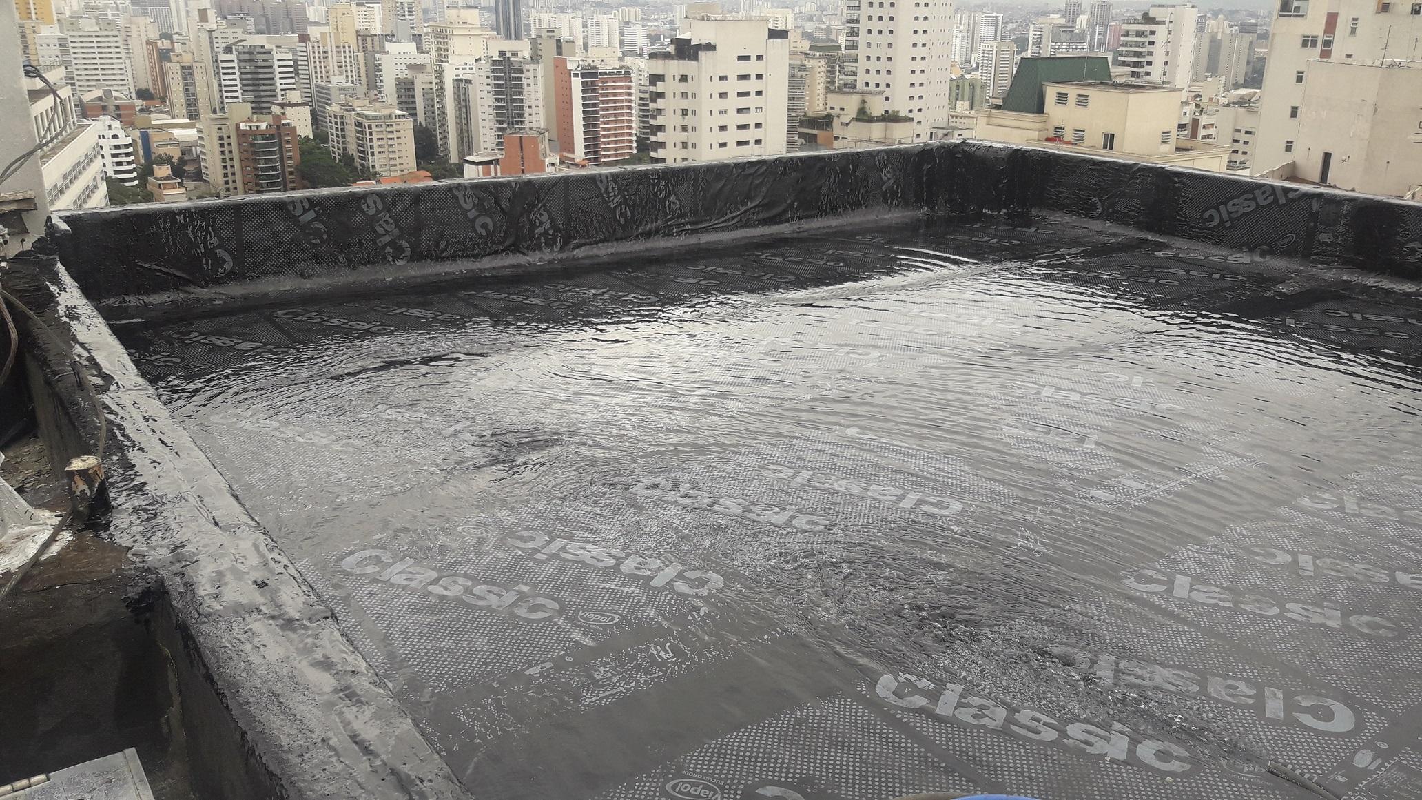 Impermeabilização de lajes e caixas d´água com os principais produtos e técnicas descritas nas normas brasileiras.